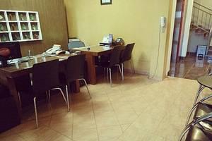 Hotel Sebelas Bandung Bandung - Receptionist