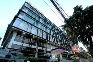 D' Hotel Jakarta - Exterior