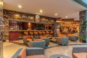 Claro Hotel Kendari - Sky pool bar