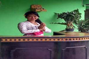 Bunga Lestari Bali - Resepsionis