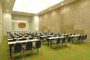 Hotel HARRIS Kelapa Gading - Meeting Room