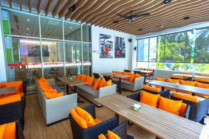 Hotel HARRIS Kelapa Gading - Terrace Cafe