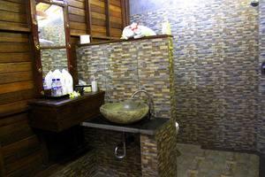 Dmas Huts Lembongan Bali - Kamar mandi