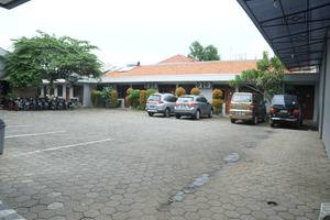 Ranez Inn Tegal - Area Parkir