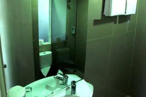 Vio Westhoff Bandung - Bathroom