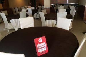 NIDA Rooms Haryono 164 Kendari - Restoran