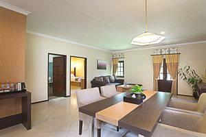 Royal Orchids Garden Hotel Malang - kamar catalya ruang keluarga