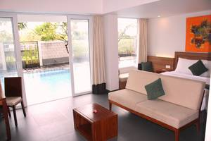 Paragon Hotel Seminyak - Junior Suite with Pool Access