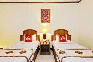 ZEN Rooms Jogja Cendrawasih Yogyakarta - Tampak tempat tidur twin