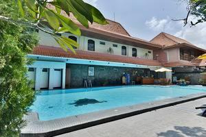 ZEN Rooms Jogja Cendrawasih Yogyakarta - Kolam Renang