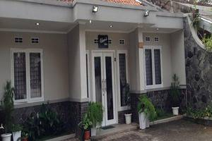 Elenor's Home Bandung - Room