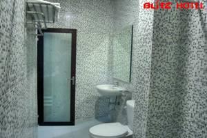 Blitz Hotel Batam - Kamar mandi