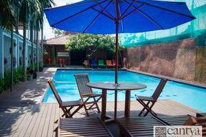 Cantya Hotel Yogyakarta - Kolam Renang