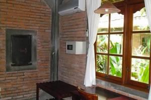 Bunga Permai Hotel Bali - AC dan Brankas