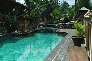 Joglo Plawang Yogyakarta - Kolam Renang