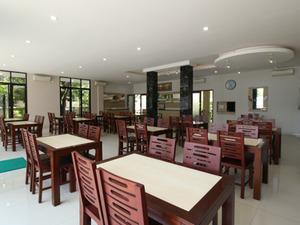 Airy Terminal Tirtonadi Setiabudi 45 Solo - Restaurant
