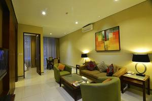 100 Sunset Boutique Hotel Bali - Family Suite Living Room