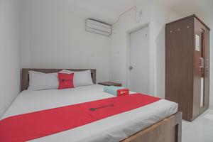 RedDoorz near Living Plaza Balikpapan