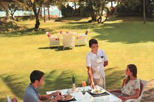Discovery Kartika Plaza Hotel Bali - La Cucina - Taman