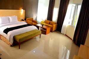 Her Hotel & Trade Center Balikpapan - Kamar tamu