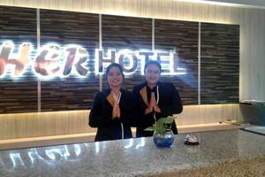 Her Hotel & Trade Center Balikpapan - Petugas Receptionist