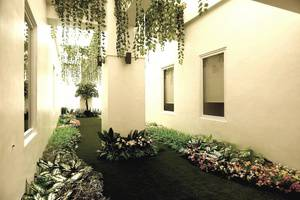 MaxOneHotels Glodok - Garden
