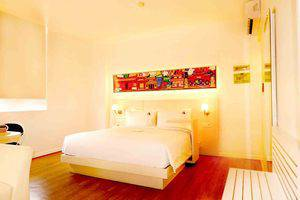 MaxOneHotels Glodok - Warmth Double Bed