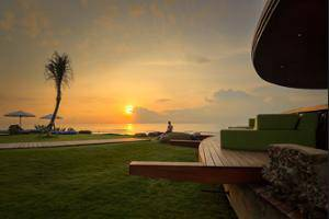 Komune Resort & Beach Club Bali - Beach