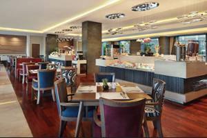 Mercure Bandung Setiabudi - Breakfast Area