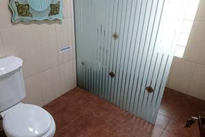 Villa Bumi Lembang Bandung - Bathroom