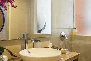 Natya Hotel Bali - Kamar mandi