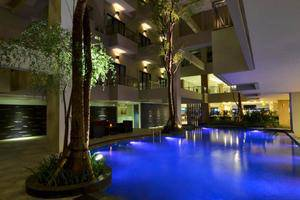 Savana Hotel Malang - Pool2
