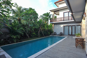 Airy Kuta Utara Pantai Batu Bolong 56 Canggu Bali - Swimming Pool