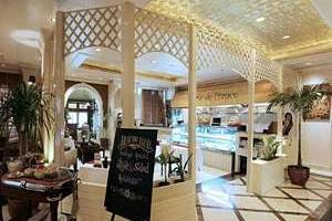 Hotel Ambhara Blok M - Cafe d'France
