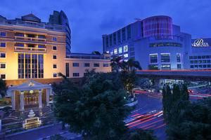 Hotel Ambhara Blok M - Tampilan Luar