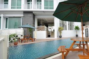 The Travelhotel Cipaganti - Swimming Pool
