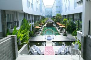 bHotel Bali & Spa - Pool Wedding