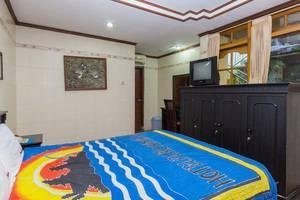 RedDoorz @Lebak Bene 3 Bali - Kamar tamu