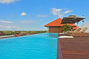 Kila Infinity 8 Bali - Kolam Renang