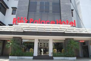 Riez Palace Hotel Tegal - View