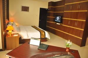 Riez Palace Hotel Tegal - Junior Suite