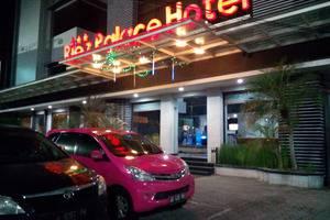 Riez Palace Hotel Tegal - Area Depan Hotel