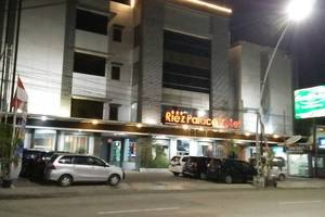 Riez Palace Hotel Tegal - Riez Palace Hotel