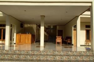 Hotel Labeletoile Flores - pintu gerbang