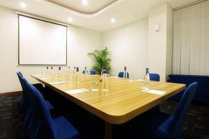Fabu Hotel Bandung - Meeting Room
