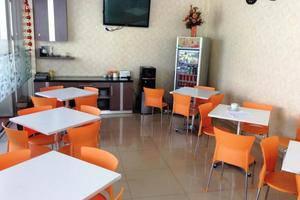 NIDA Rooms Cempaka Boulevard Makassar - Restoran