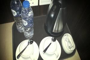 Cardinal Lucky Star Hotel Batam - Pembuat kopi dan teh