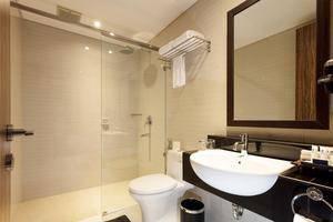 Best Western Kindai Hotel Banjarmasin - Bathroom