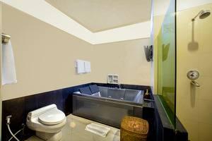 The Radiant Hotel Bali - Executive Bathroom