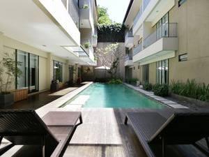 Airy Karawaci Taman Permata Millenium B5 10 Tangerang - Pool